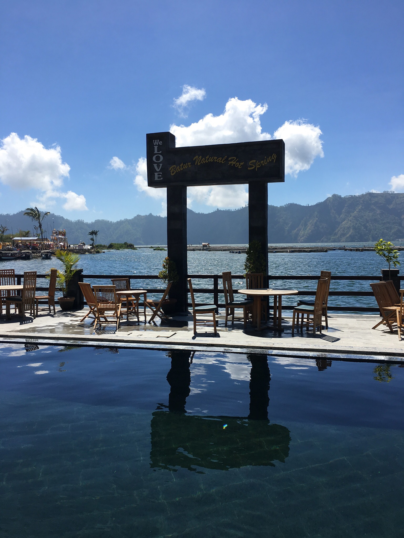 Indonesian Travel Diaries – Swimming in Hot Springs
